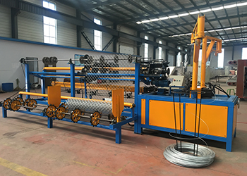 Sucess install operation and training razor barbed wire machine in Dahka